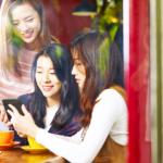 若い女性3人