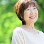 高齢の笑顔の女性